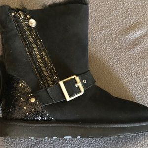 🆕UGG sparkly/suede boots